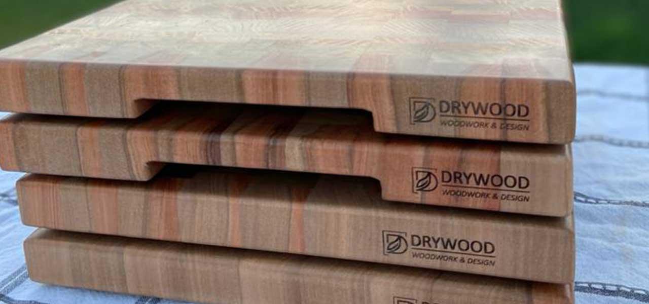 """Entrevista Edgardo Inostroza de Drywood (@drywood_wd): """"Prácticamente reducimos en un 25% el tiempo de fabricación gracias al uso de Knot Filler""""."""